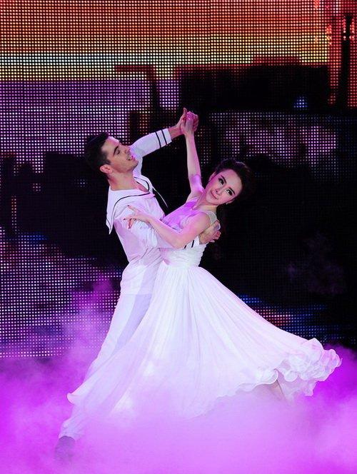 "angela phuong trinh duoc ""tut"" thanh thien nga - 15"