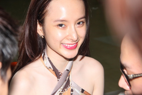 "angela phuong trinh duoc ""tut"" thanh thien nga - 1"