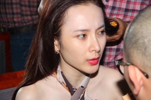 "angela phuong trinh duoc ""tut"" thanh thien nga - 3"