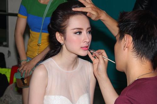 "angela phuong trinh duoc ""tut"" thanh thien nga - 11"