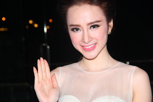 "angela phuong trinh duoc ""tut"" thanh thien nga - 12"