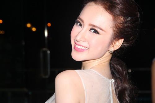 "angela phuong trinh duoc ""tut"" thanh thien nga - 14"