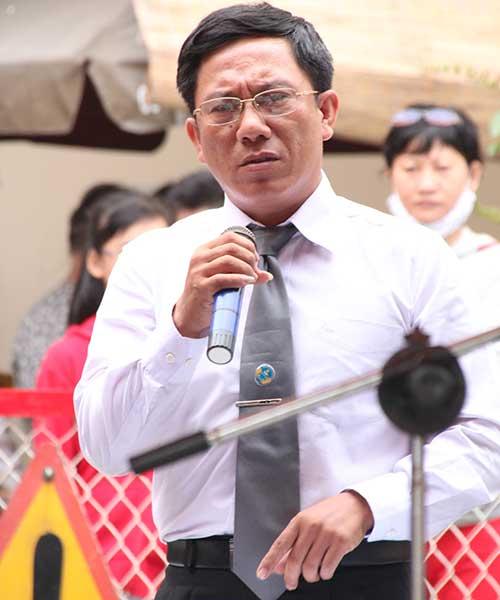 me tuong cuop chat tay co gai di sh lien tuc xin loi - 2