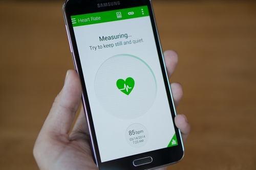 4 smartphone cao cap sap ban o viet nam - 1