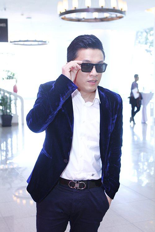 "lam truong lam liveshow khien fan phat ""sot"" - 1"