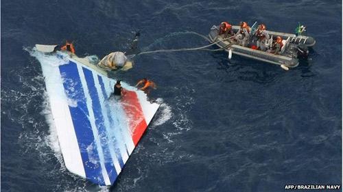 "vu mh370: nhin lai 2 nam ""mo"" xac may bay af 447 - 3"