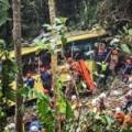 Tin tức - Thái Lan: Xe bus lao xuống vực, 30 người chết