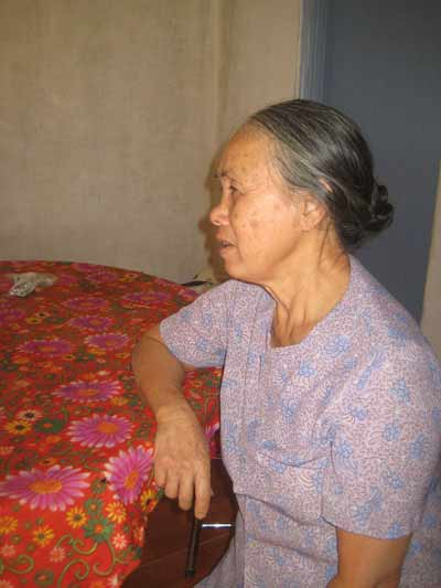 ky la muon lay vo nguoi phai boc mo cho chong cu - 1