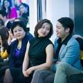 Làng sao - Khánh Linh quấn quýt không rời bạn trai