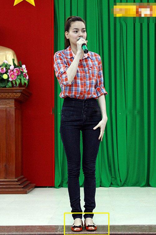 my nhan lo dang xau vi quan jeans - 1