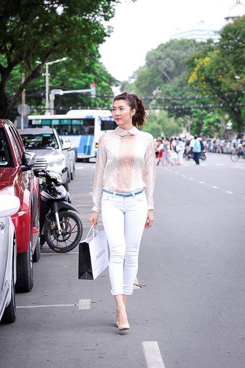 my nhan lo dang xau vi quan jeans - 13