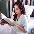 Làng sao - Hà Tăng duyên dáng cả khi đọc sách