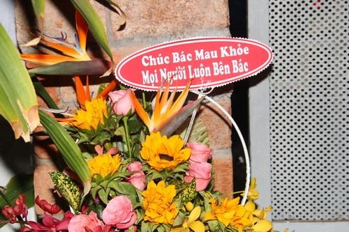 fan mang hoa, bong bay den tang chanh tin - 3