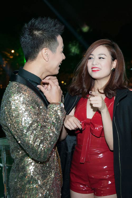 "hoang thuy linh ""thi tham"" ben nguyen khang truoc nam moi - 3"