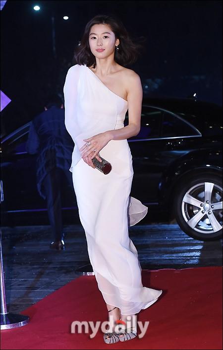 """minh tinh trai dat"" jeon ji hyun chien thang daesang - 9"