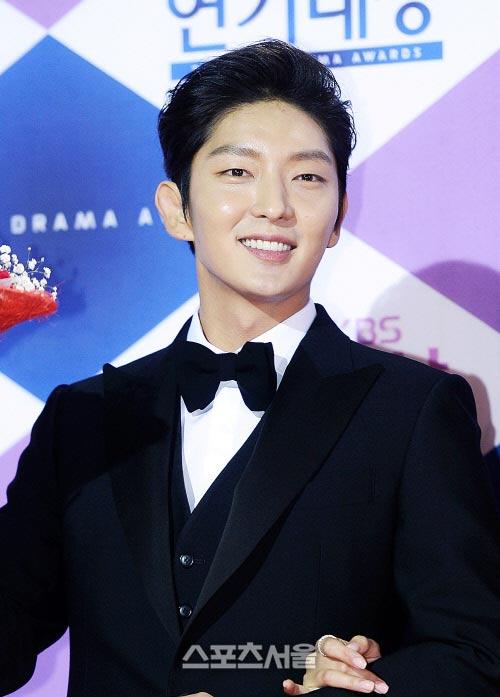 cap sao giay thuy tinh chien thang tai kbs drama awards - 6
