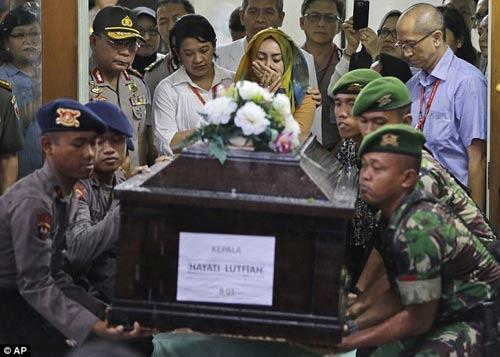 nghen ngao tang le nan nhan dau tien vu qz8501 - 1