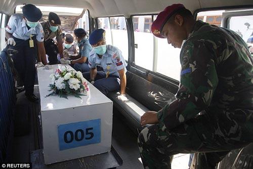 nghen ngao tang le nan nhan dau tien vu qz8501 - 9