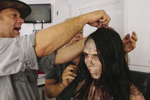 thu thuat hoa trang thanh zombie trong phim my - 12