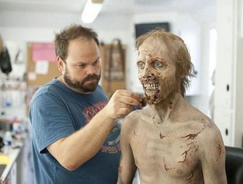 thu thuat hoa trang thanh zombie trong phim my - 7