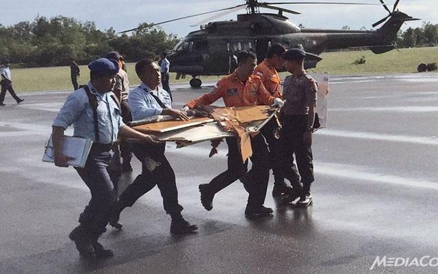 he lo nguyen nhan qz8501 dot ngot lao xuong bien - 1