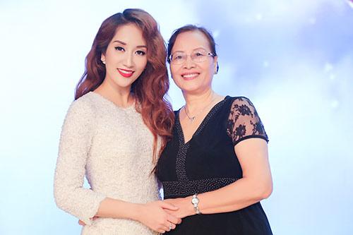 mai phuong thuy van quyen ru du chia tay showbiz - 10
