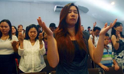 con gai co truong qz8501: 'cha toi chi la nan nhan' - 2