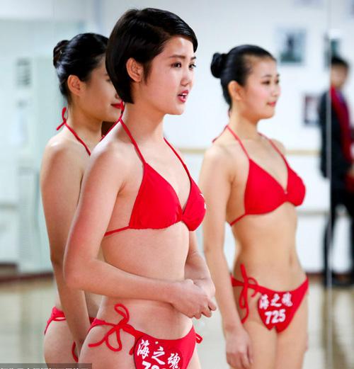 tq: tranh cai vi nu sinh mac bikini, co ro trong gia ret - 3