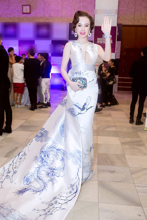 angela phuong trinh long lay nhu ba hoang tren tham do - 7
