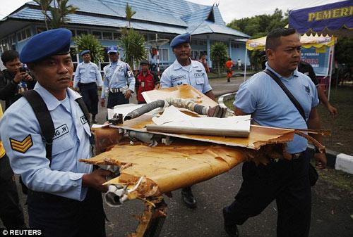 bat khoc nhung hinh anh dau thuong vu qz8501 - 4