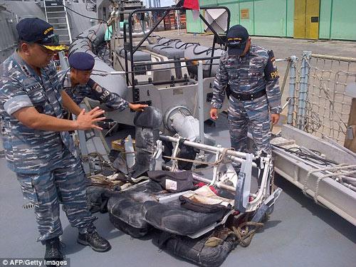 bat khoc nhung hinh anh dau thuong vu qz8501 - 2