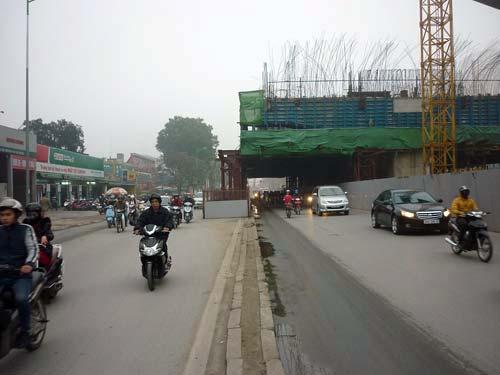 thi cong duong sat tren cao: can co duong vong cho dan - 1