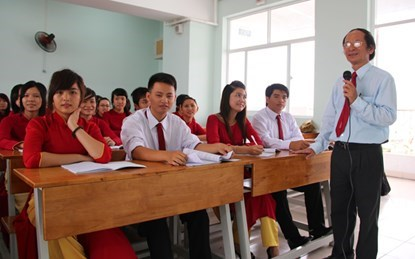 thuong tet 2015: giang vien linh ca tram trieu dong - 1