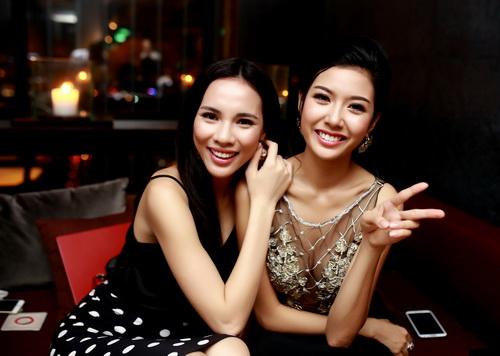 """lan khue khong """"lep ve"""" ben hoa hau the gioi 2011 - 6"""