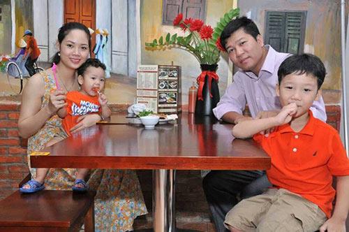 hhvn 2002 mai phuong hanh phuc ben hai con trai - 4