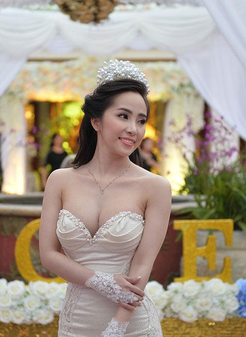 """quynh nga len tieng ve su co """"vay ngan phan cam"""" - 5"""