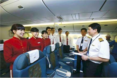 khi nao phi cong vna duoc lai may bay cho hang khac? - 1