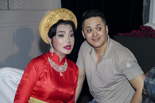ban trai viet kieu thap tung cindy thai tai chay show - 1