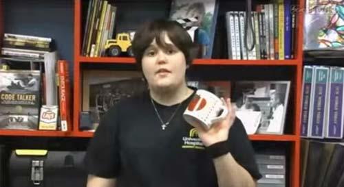Trường Mỹ khuyến khích học sinh mang vỏ lon phòng thân-3