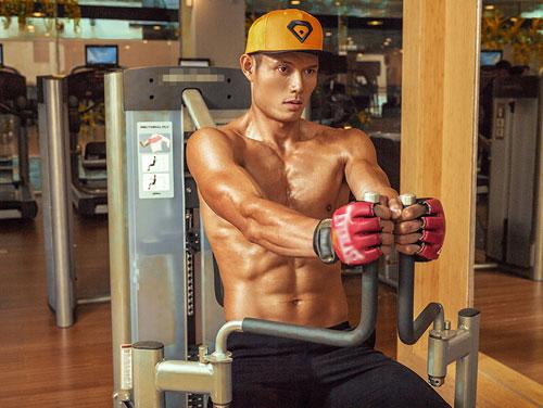 hot boy taekwondo viet nam khoe body 6 mui nong bong - 1
