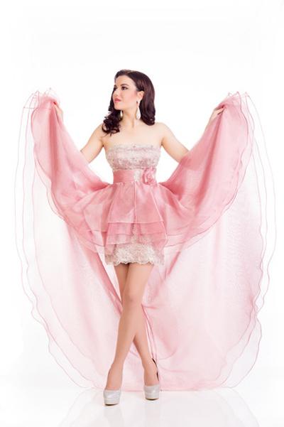Mát mắt vì váy dạ tiệc táo bạo của hoa hậu Hoàn vũ 2014 - 15