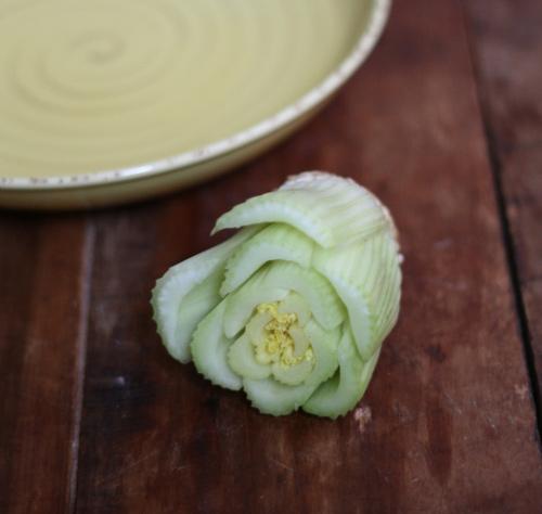 Trồng cần tây trong bát ăn quanh năm ngày tháng-3