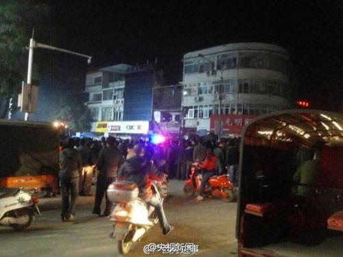 TQ: Nổ gas tại cửa hàng ăn khiến 25 người thương vong-7