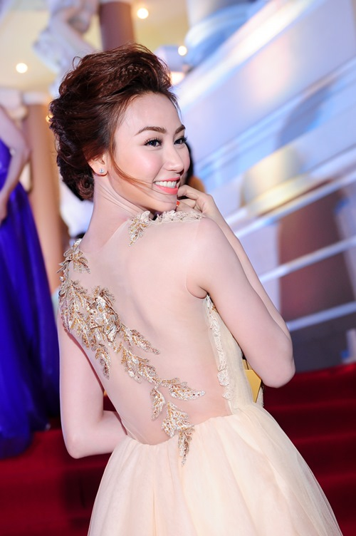 "so nhan sac hai ""co dau thang 2"" cua showbiz - 5"