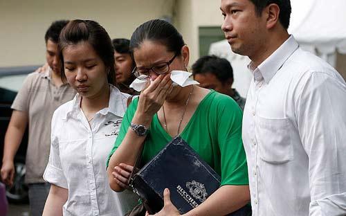 Thân nhân QZ8501 bức xúc vì nhận nửa tiền so với MH370-1