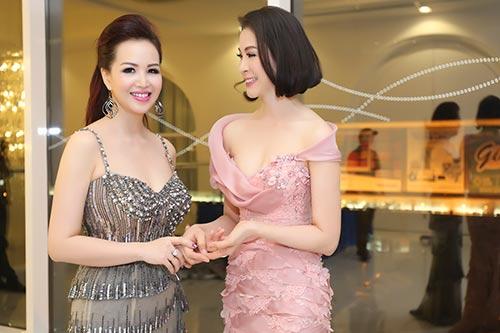 """hh dieu hoa """"do"""" nhan sac khong tuoi voi thanh mai - 7"""