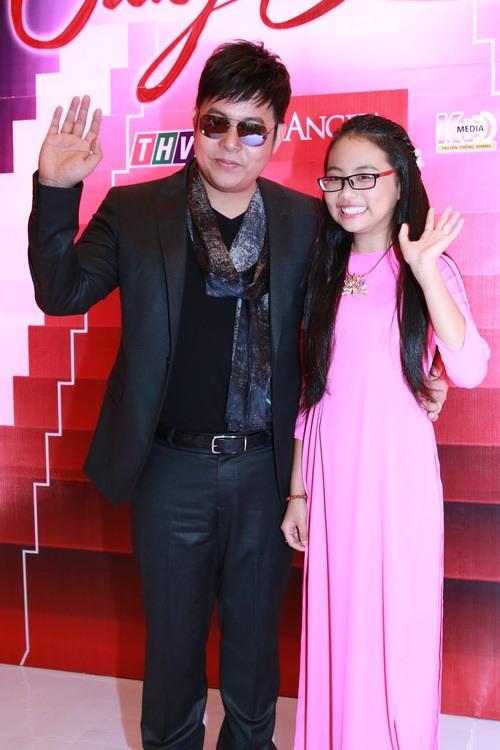 "mc quynh chi goi cam ""hut hon"" ben a hau pham huong - 14"