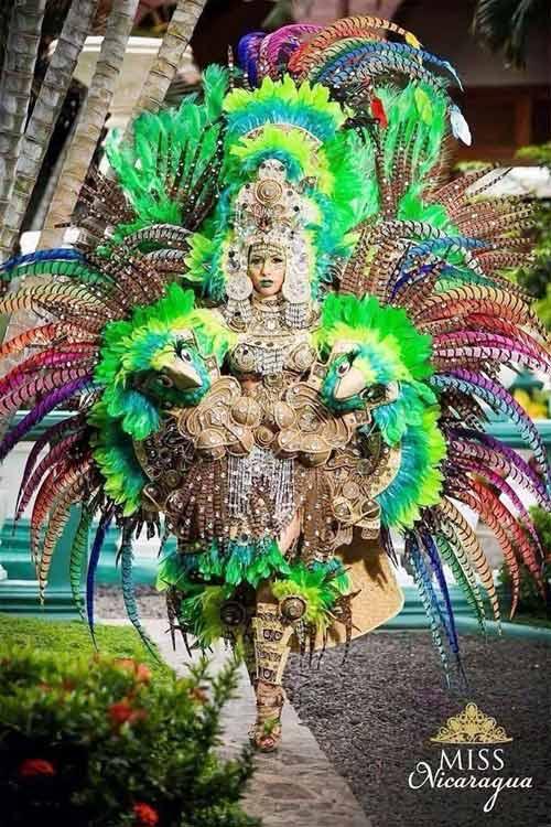 Trang phục dân tộc tại HH Hoàn vũ 2014 gây tranh cãi - 7
