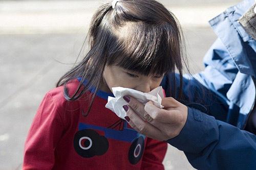 Nghe mẹ Việt ở Tây kể chuyện trẻ nước ngoài bị cảm lạnh-1
