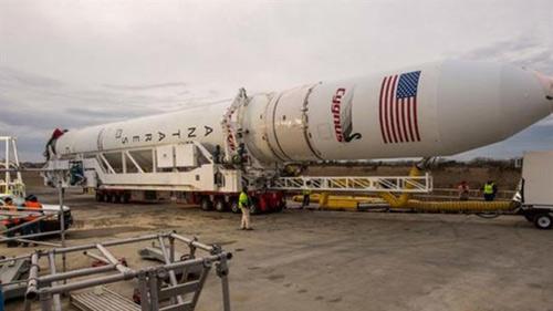Mỹ chi 1 tỉ USD mua 60 động cơ tên lửa của Nga-1